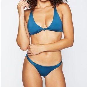 NWOT Frankie's Bikinis set - size medium